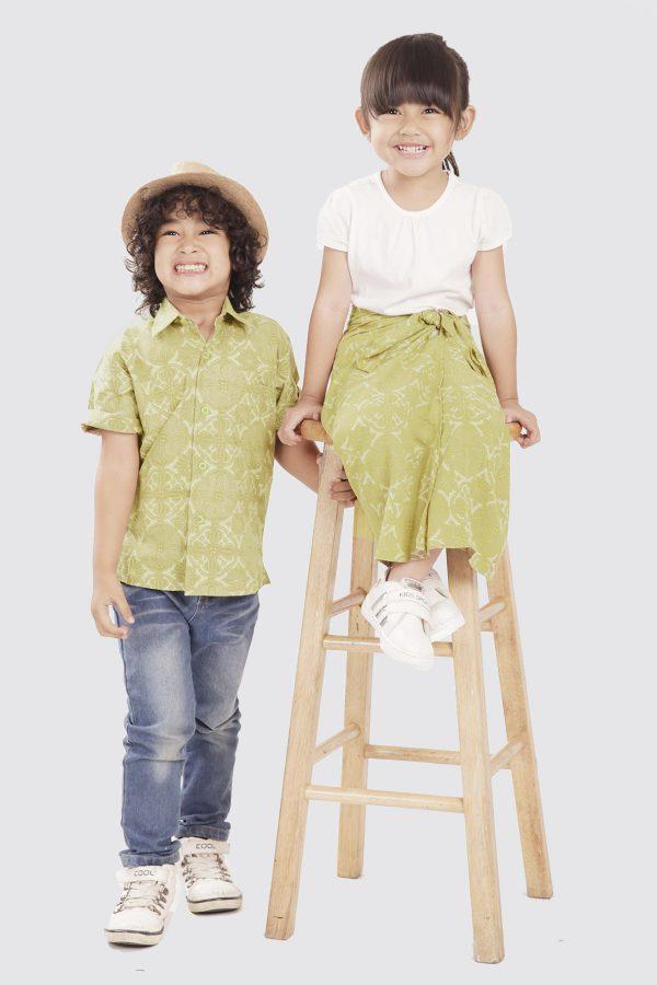 Madha Jlamprang Green Kids Shirt – zModel