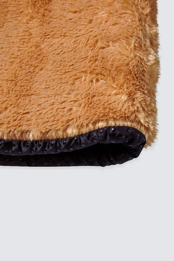 Square-Caramel-Fur-Rug—zDetail1