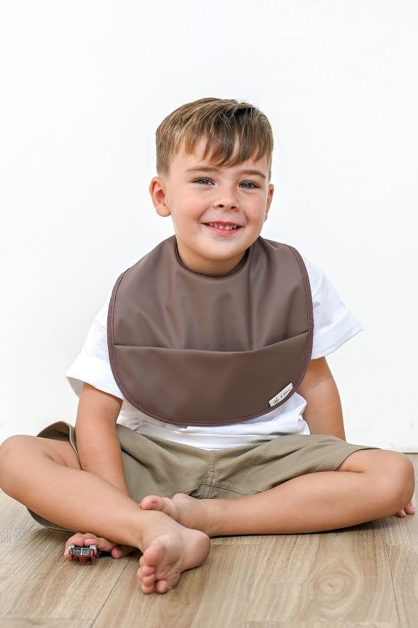 Boys-Waterproof-Bib-Chocolate—zModel