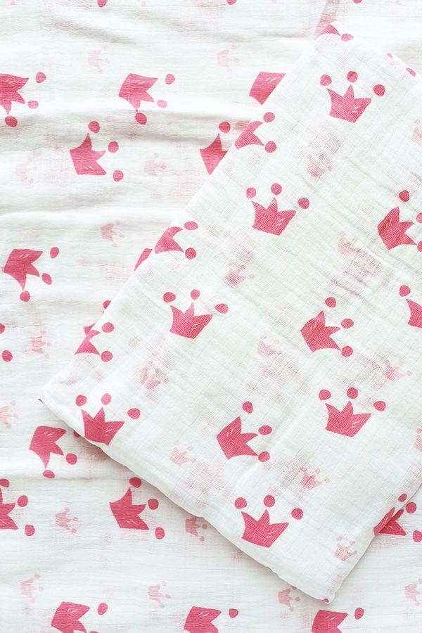 Infinity-Blanket-Pink-Crown-2