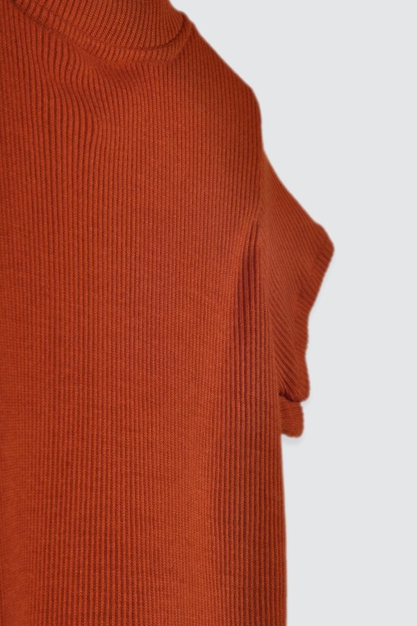 Orlaa-Basic-Ribbed-Top-Teracotta-3