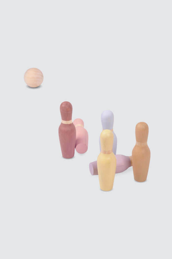 Wooden-Bowling-Ball-and-Pins-3
